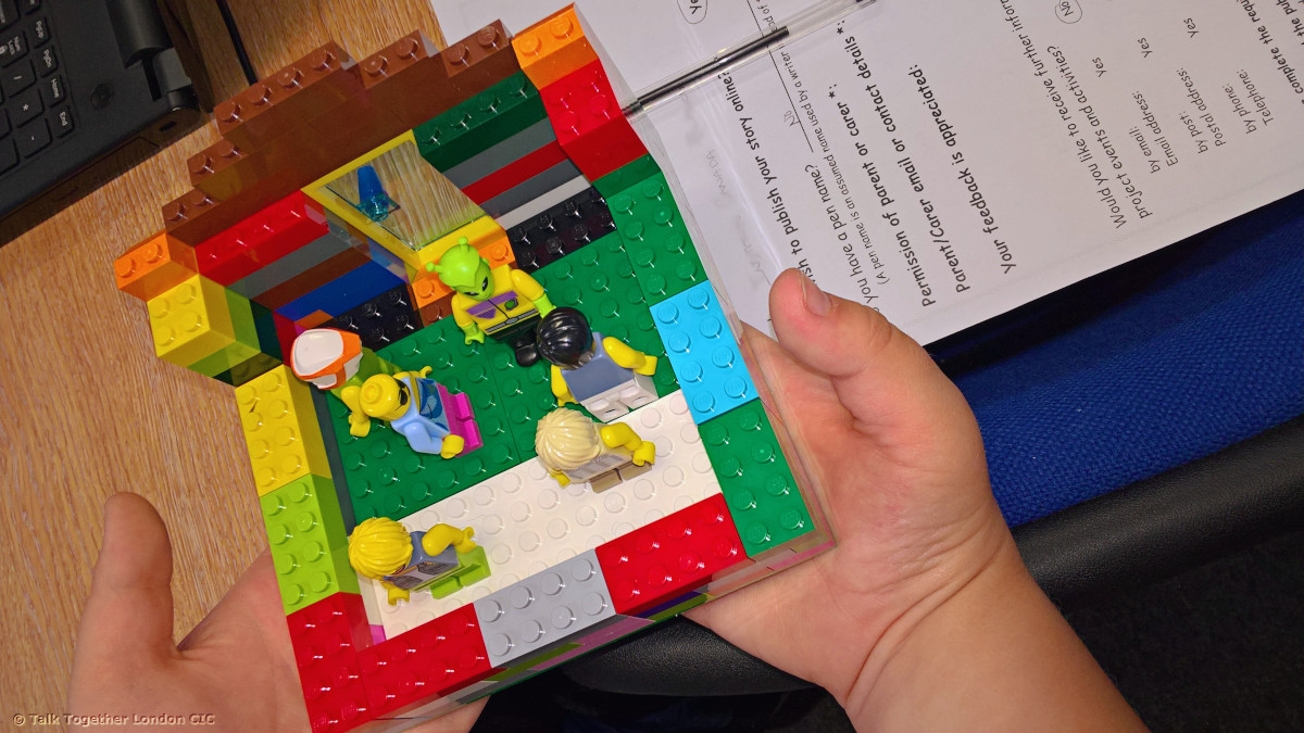 Spaceship - Lego story in the library